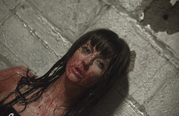 american-mary-05-Katharine-Isabelle-620x400