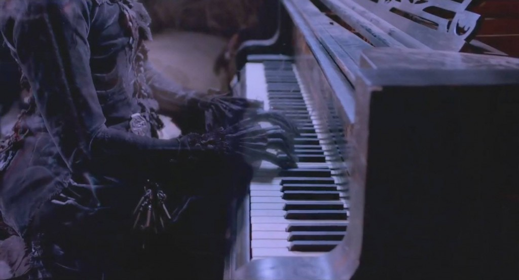 ghost-playing-piano-in-crimson-peak-2015-images