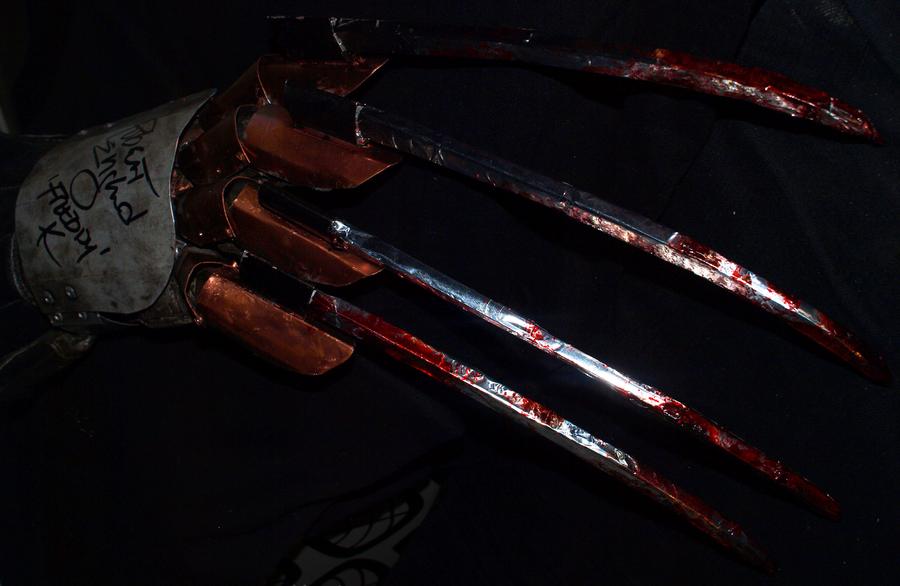 2-Freddy's Claw