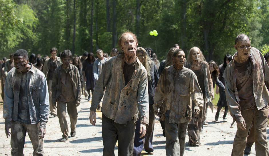 A-walker-horde-from-Season-6-Episode-1-First-Time-Again-of-AMCs-The-Walking-Dead